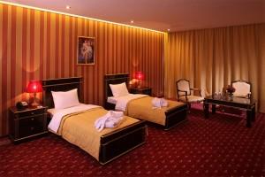 Thảm khách sạn màu đỏ