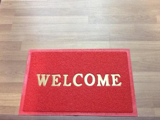 thảm welcome đỏ