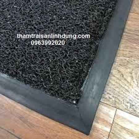 Thảm nhựa chùi chân màu đen